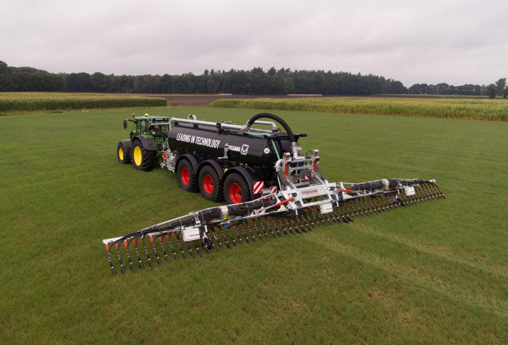 High-precision slurry spreading from John Deere and Vogelsang