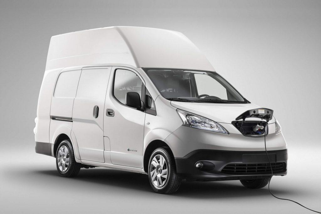 Nissan e-NV200 van expands electric range