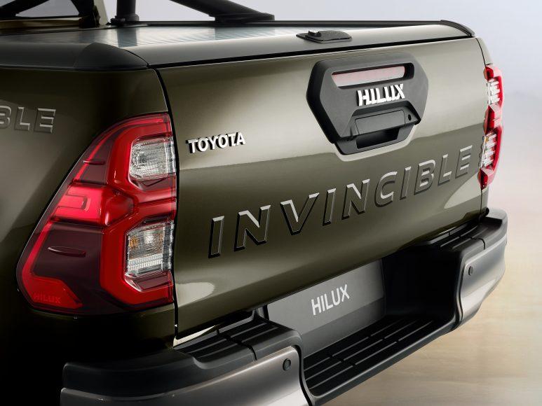 HILUX-detail-rear-side